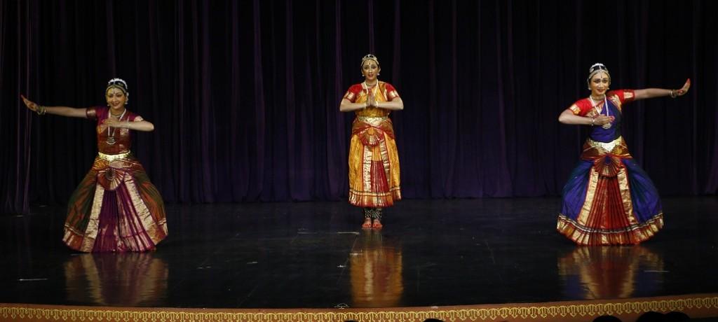 L-R Tejashree Natu, Nisha Seshan, Varsha Seshan